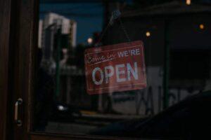Schild we are open